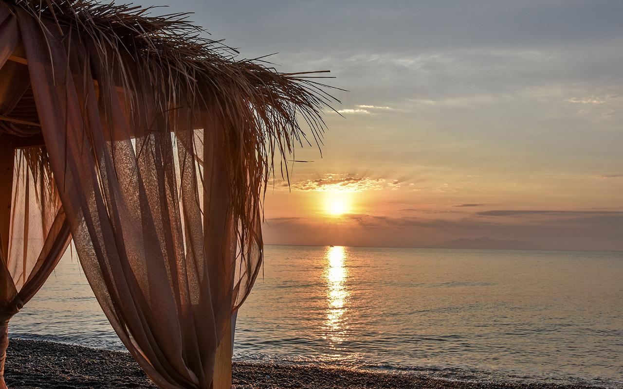 Kamari Sonnenaufgang