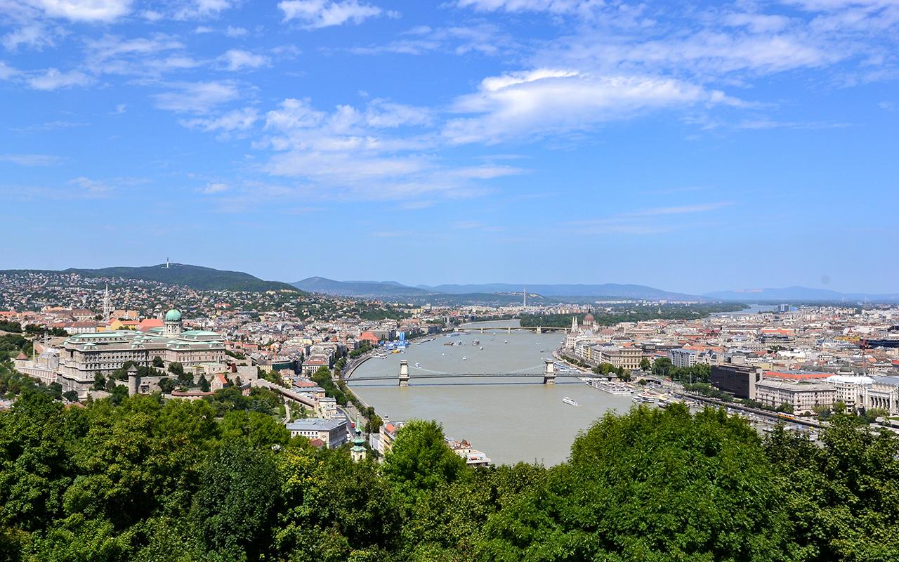 Blick-Budapest_Gellertberg