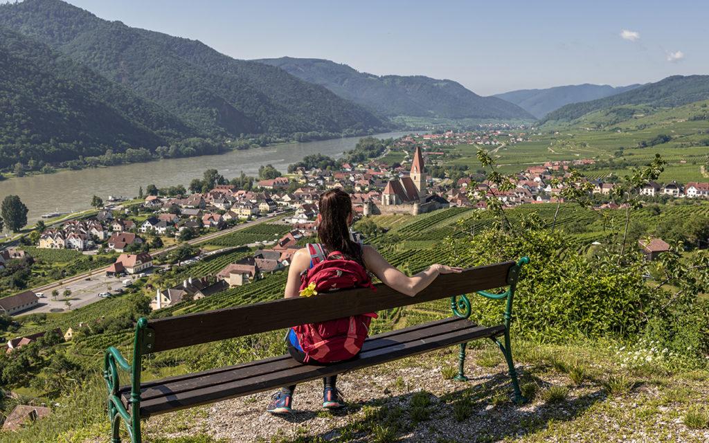 Ausblick-auf-Weissenkirchen-Welterbesteig